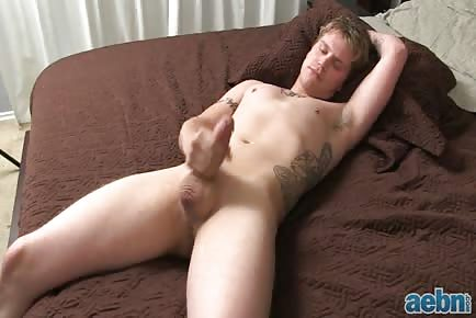 Straight guy jacking off pre-cum