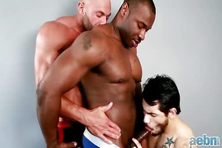 Interracial gay bodybuilders share another man HD
