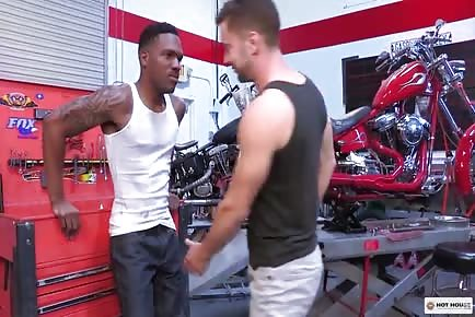 Interracial Ass Fucking Aaron Reese, Colt Rivers