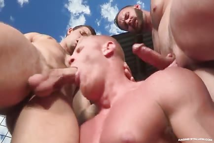 HOT Threesome Outdoors! Sebastian Kross, Johnny V, Chris Bines