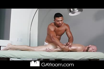 Hot Oil Massage Turns Into Muscle Worship and Sex