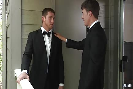 The Groom Gets Nervous Before His Wedding And Fucks His Groomsmen