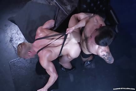 Hot Muscle Male Johnny V Flip-Fucks In Dark Room