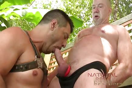 Mature Jim Ellis feeds hungry hole of Rod Drainer