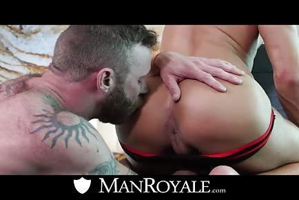 Derek Parker kissing ass of hot muscle jock