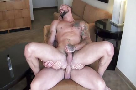 Enormous cock Rocco Steele raw in tight male hole