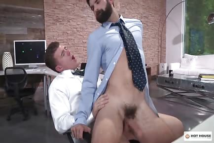 Hairy hunk sucks and takes huge dick in ass at the office