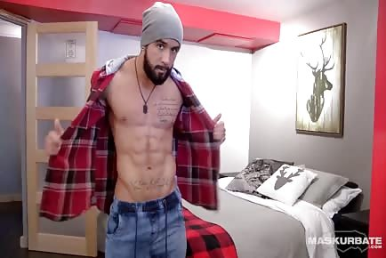 HOT Canadian Straight Lumberjack Stud Shows Off Pretty Dick