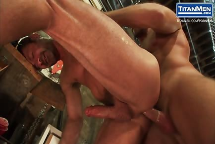 Beefy males sucking long cocks on a ladder