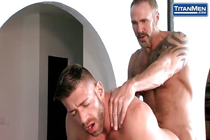 Bearded Stud With Big Cock Ramming Older Daddy Hunk