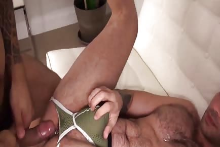 Ripped Hunk RAW Fucking Tight Ass And Cumming Inside It