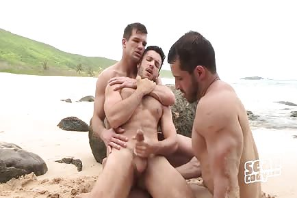 Hottest Hunks Threesome On Puerto Rico Public Beach