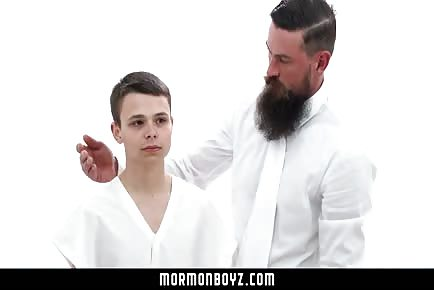 Beard daddy destroys tiny teenage Mormon boy's ass
