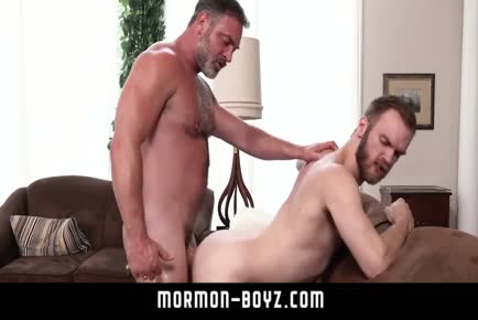 Furry dads muscle butt fucking MORMON-BOYZ.COM