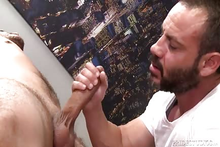Hot Daddy Massuer Sucks And Rides Big Jock's Cock