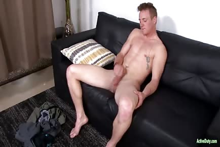 22 YO straight Soldier Masturbates His Big Pecker