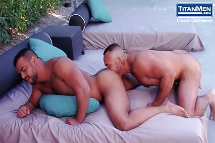 Hot muscle hunks bubble ass worship and pool anal sex