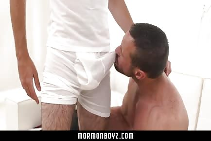 Horny Daddy Seduces Young Twink And Bangs Him RAW