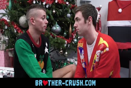 Older brother bareback cock as Christmas present BROTHER-CRUSH.COM