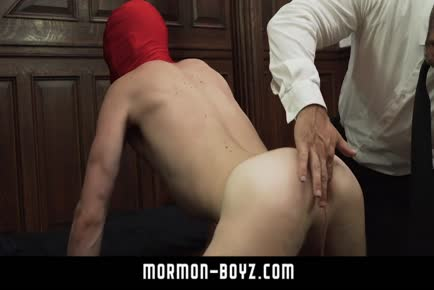 Dad threesome with big anus boy MORMON-BOYZ.COM