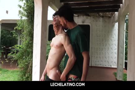 Hot Latin jocks eat ass and fuck outside-LECHELATINO.COM