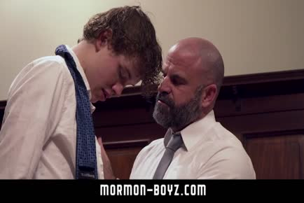 Scruffy older bear sucking off teenage boy MORMON-BOYZ.COM