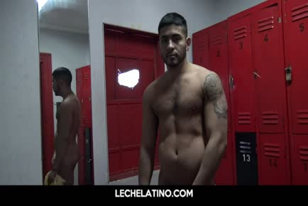 Wet Latinos locker room shower fuck and cum facial LECHELATINO.COM