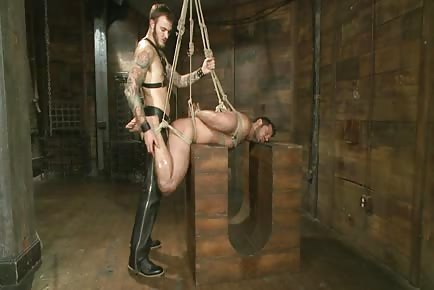 Bound Gods: Mr Wilde Binds And Fucks A Muscled Body Builder With An Uncut Cock