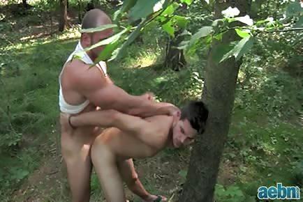 Muscle dude outdoor sex