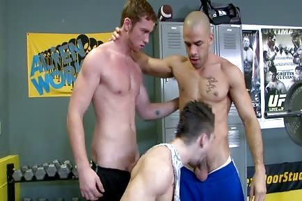 Gym hot gay sex threesome on bench press