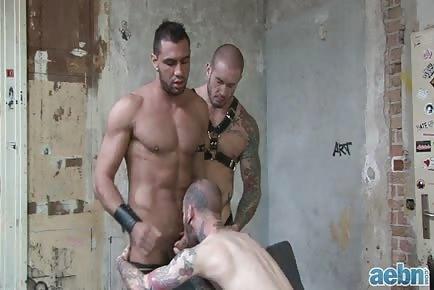 Ripped tattooed muscle guys anal