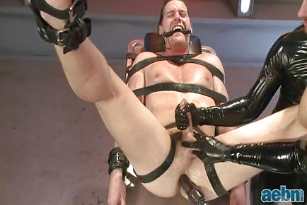 Men On Edge: Straight Stud With A Big Fat Cock Taken And Milked By Perverted Aliens